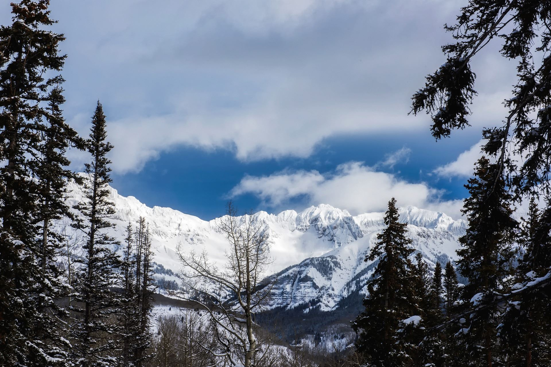 Ridgeline above Telluride after a heavy snow